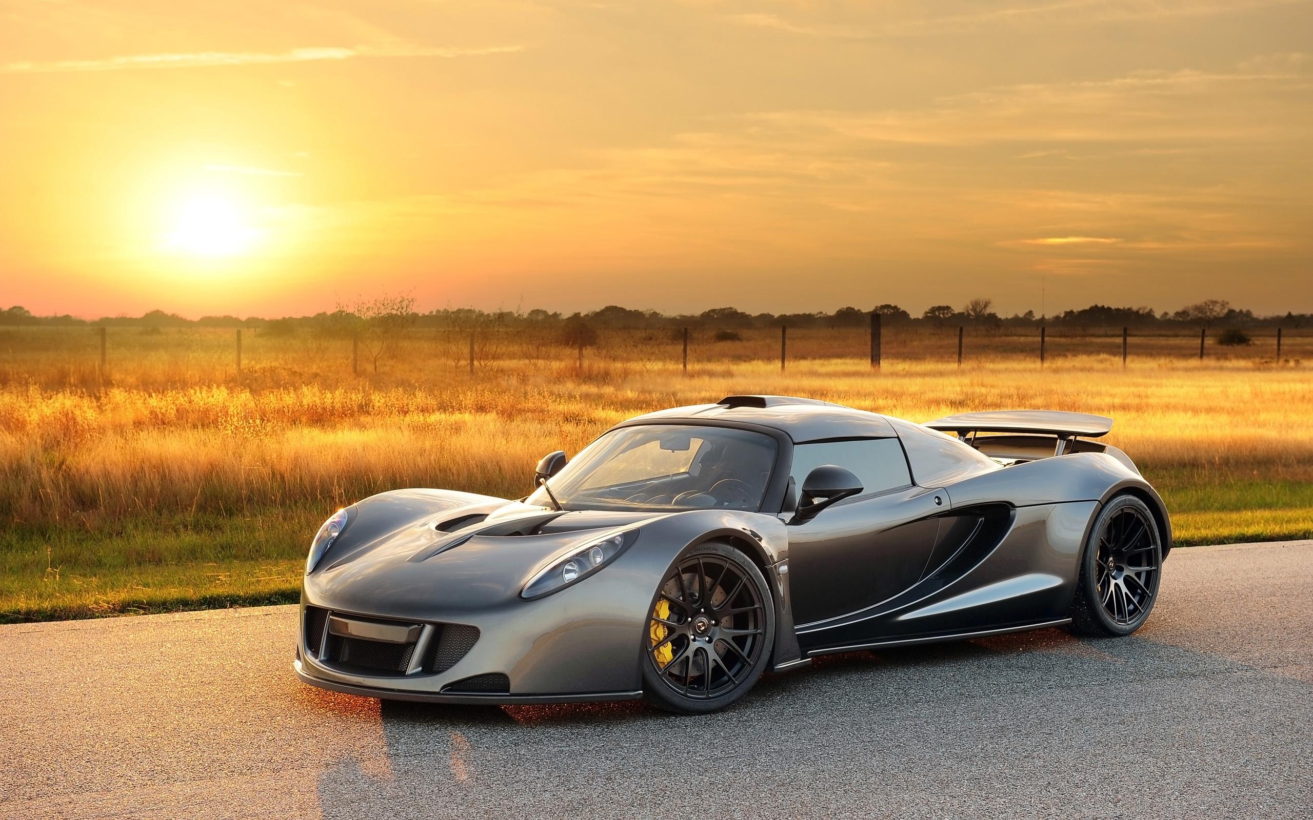 Hennessey Venom GT - самый быстрый автомобиль 2016