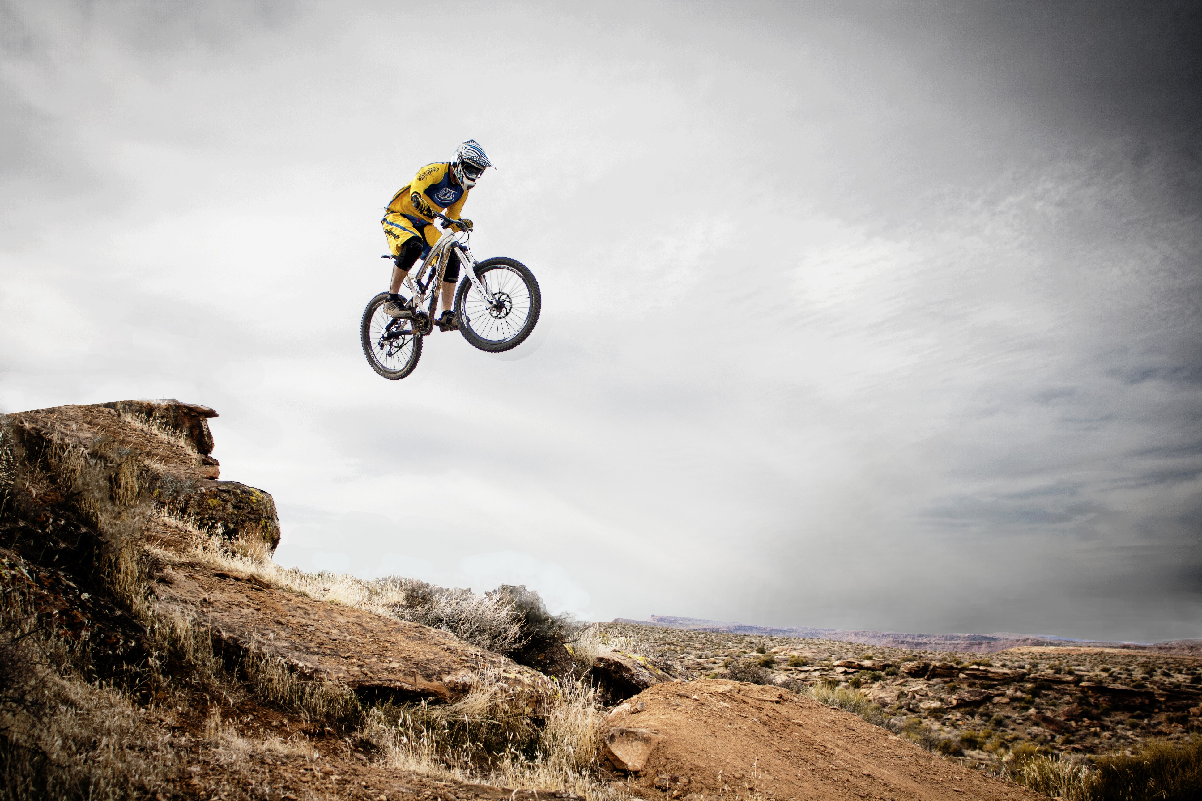 mountain biking in utah 4k ultra hd wallpaper and background image, Powerpoint templates