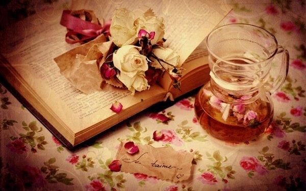Artistique Amour Abstrait Rose Livre Verre Romantic Fond d'écran HD | Arrière-Plan