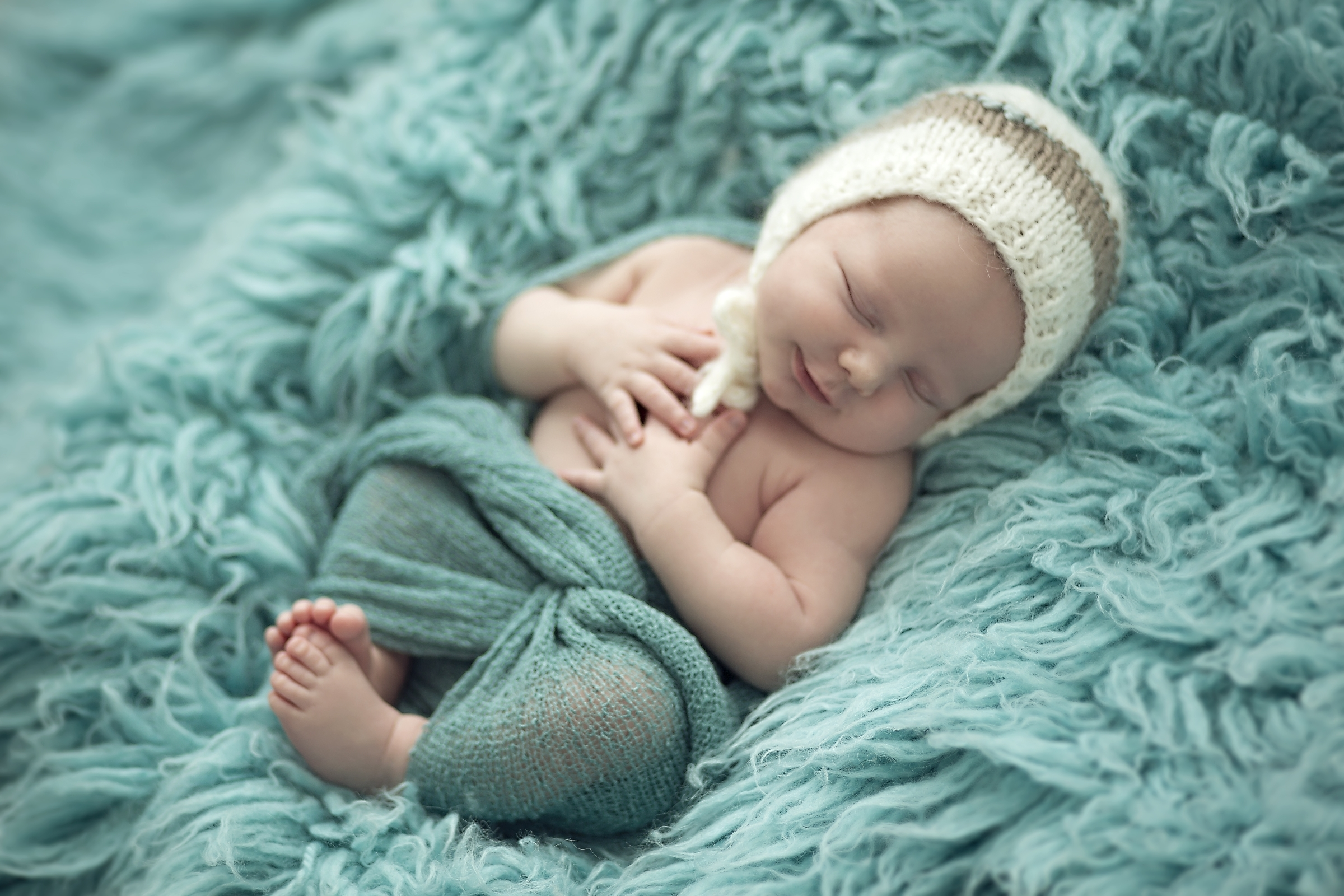 Sweet Baby Boy Hd Wallpaper Background Image 2400x1600 Id 728546 Wallpaper Abyss