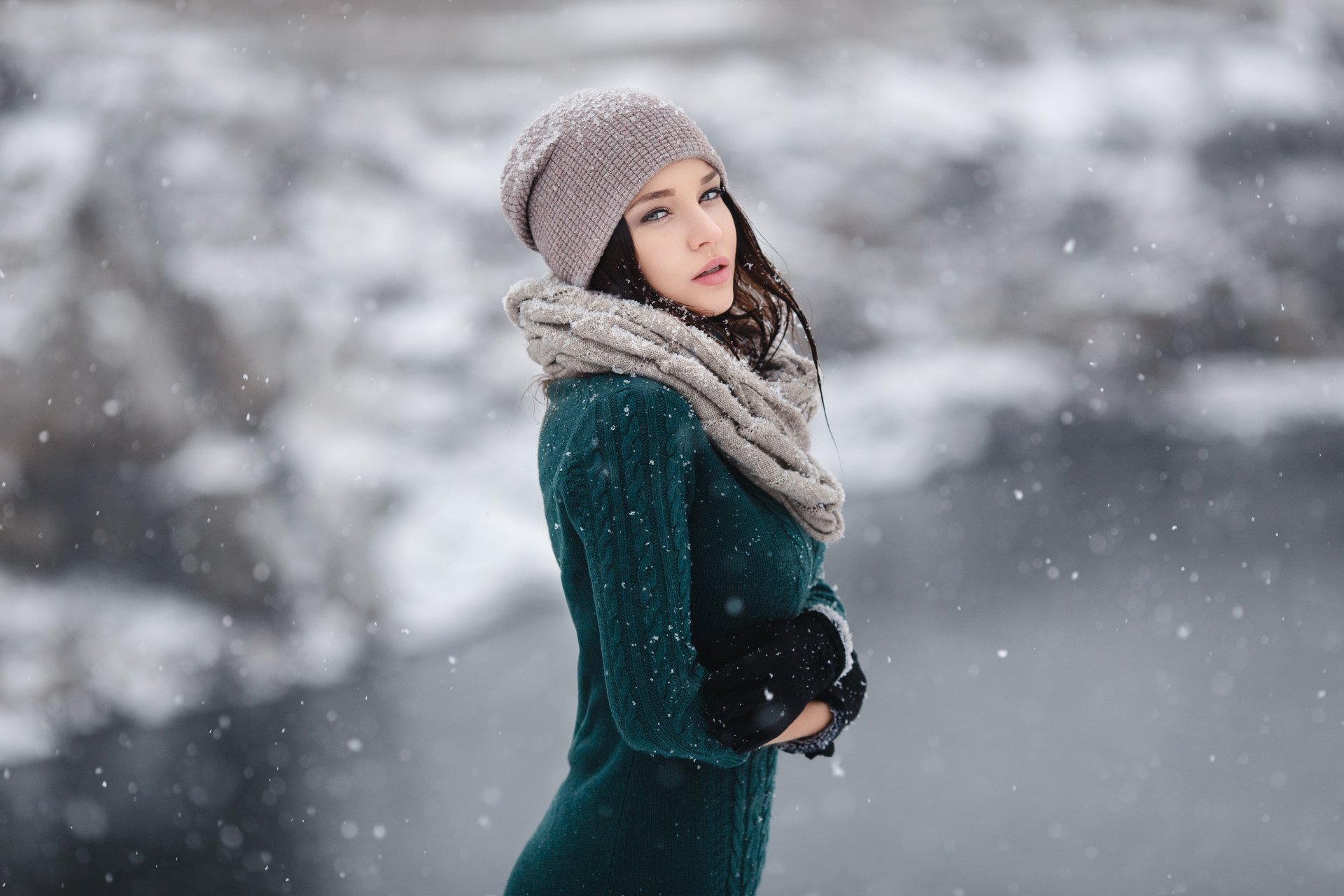 Women - Angelina Petrova  Woman Model Bokeh Winter Snowfall Hat Scarf Brunette Wallpaper
