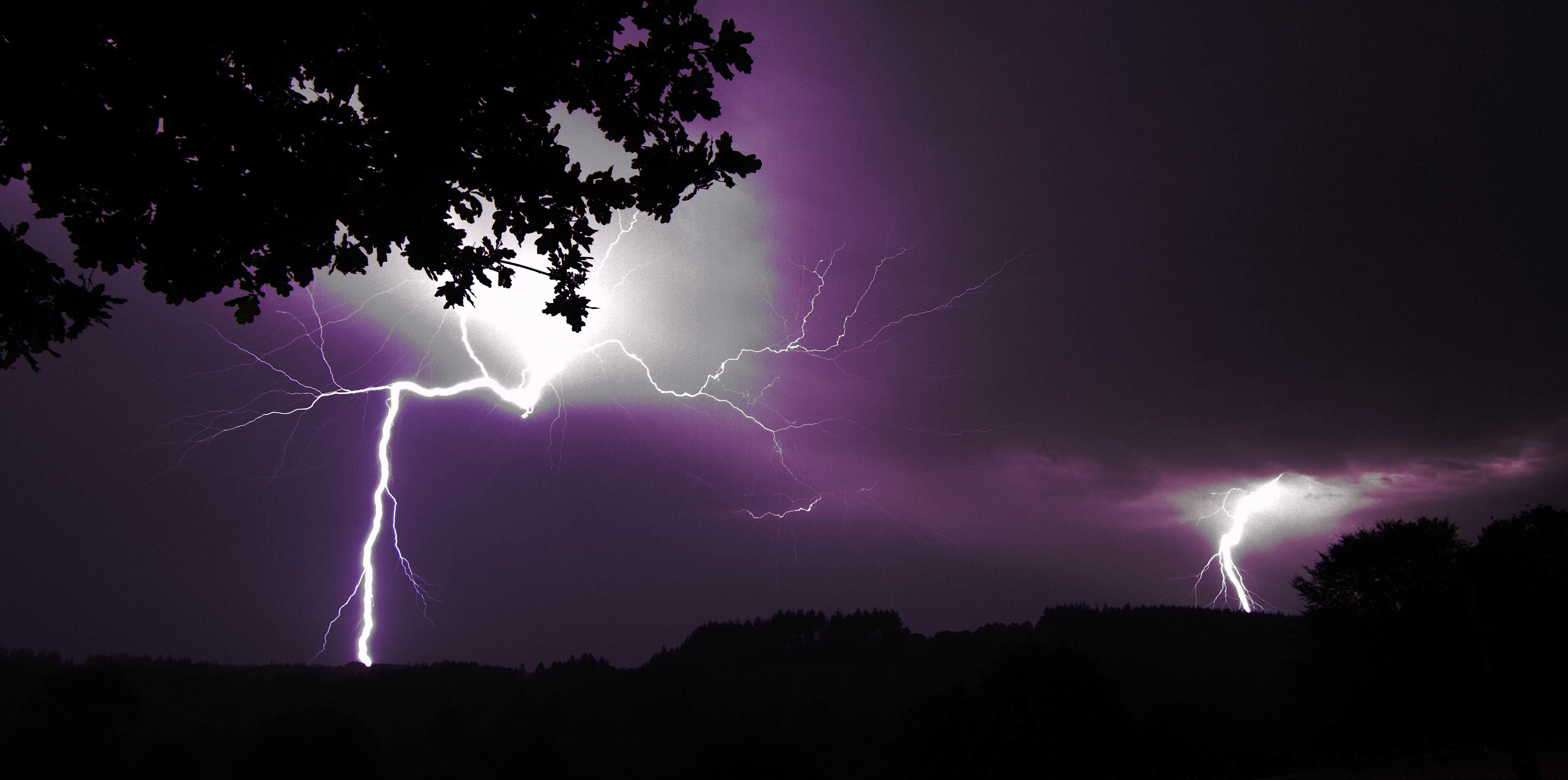 Lightning in purple sky 4k ultra hd wallpaper background image 5172x2574 id 774028 - Lightning wallpaper 4k ...