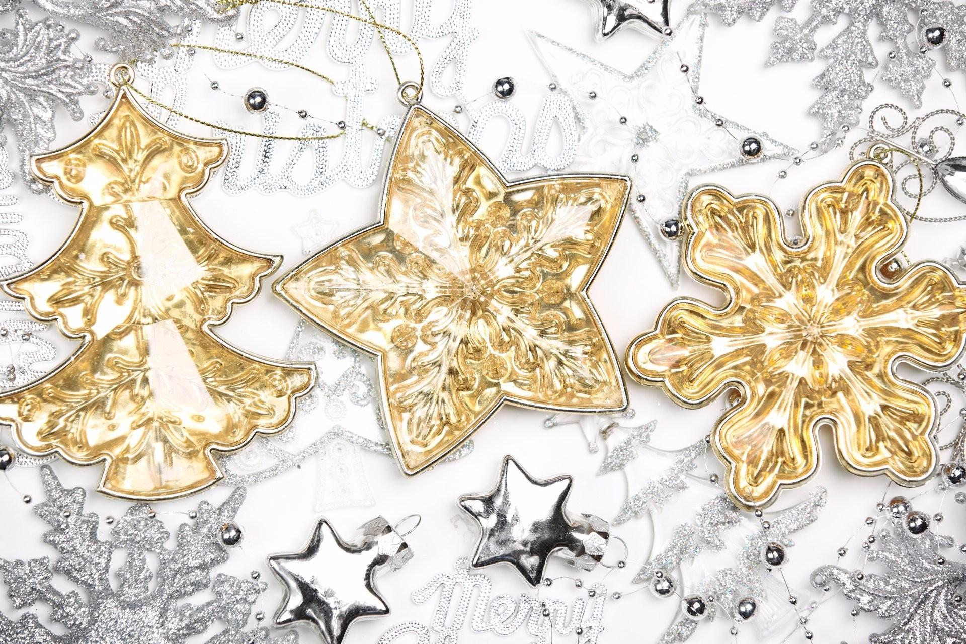 Christmas Ornaments · Gold · Holiday · Silver · Snowflake · Star
