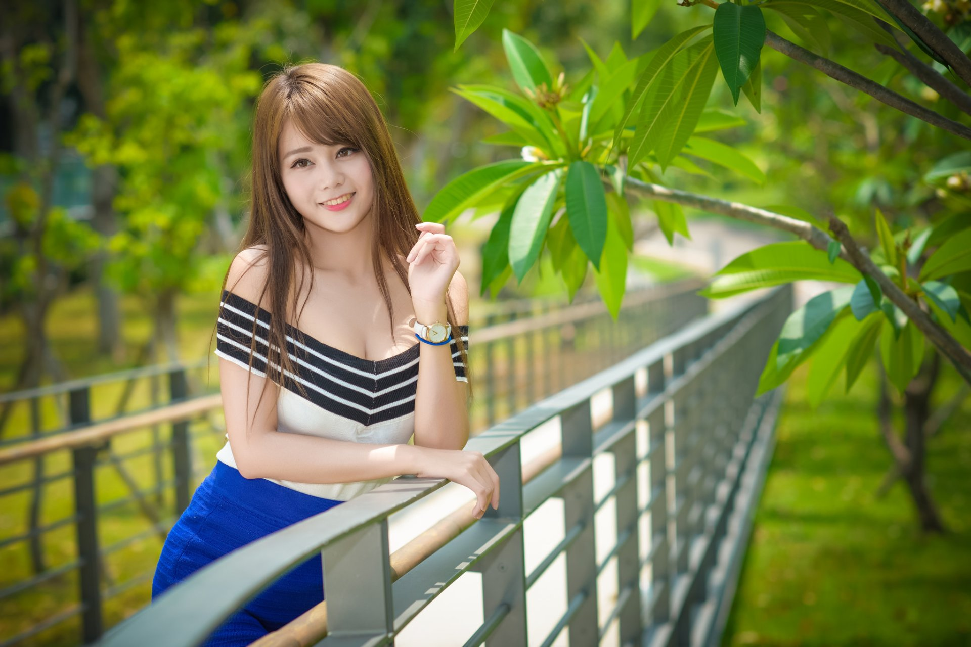 女性 - 亚洲  Woman 模特 女孩 Brunette Brown Eyes Smile Depth Of Field 壁纸