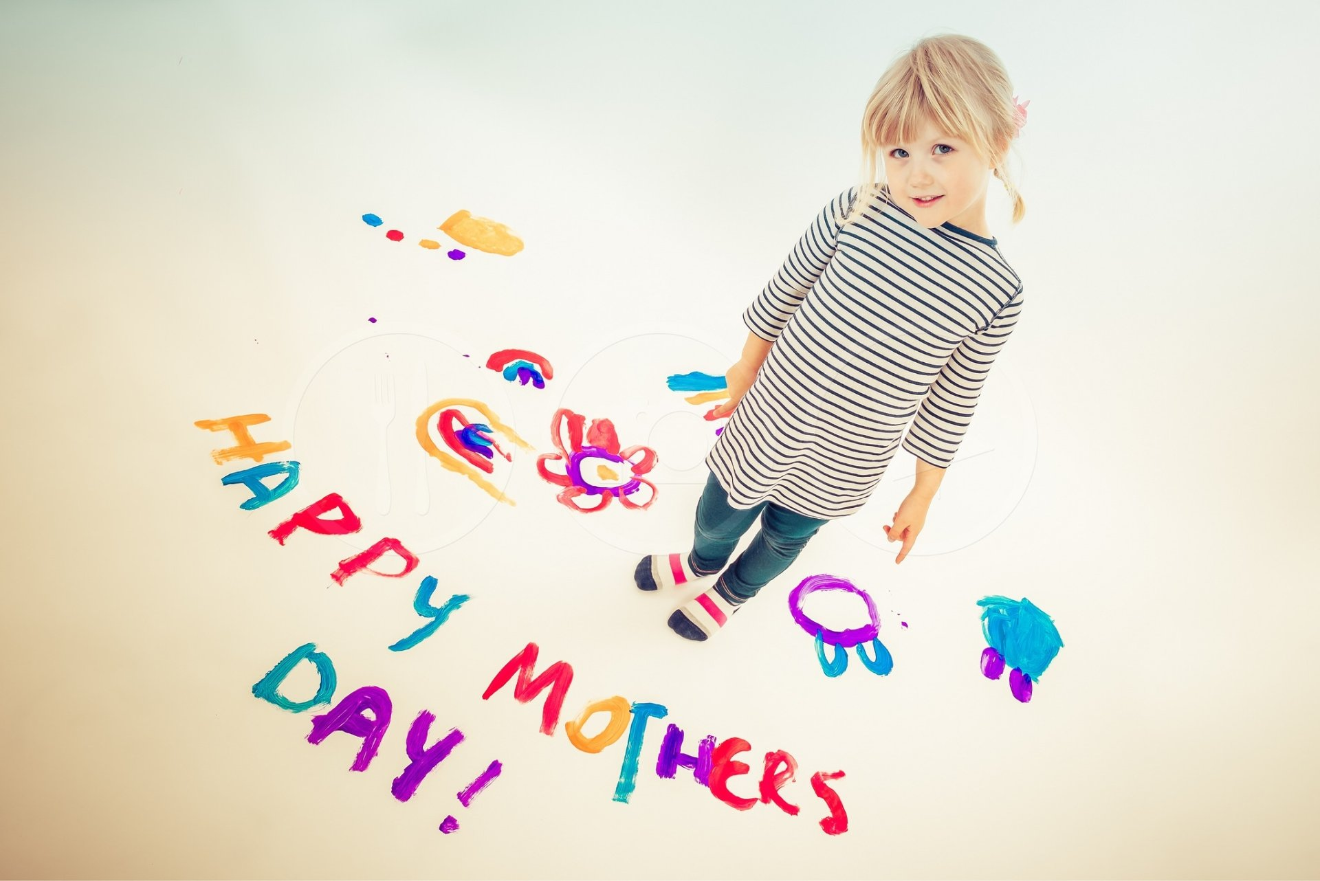 Holiday - Mother's Day  Child Girl Blonde Little Girl Wallpaper