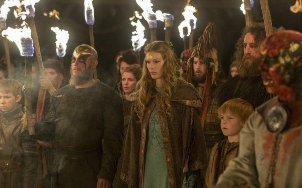 TV Show Vikings Alyssa Sutherland Travis Fimmel Ragnar Lothbrok Aslaug HD Wallpaper | Background Image