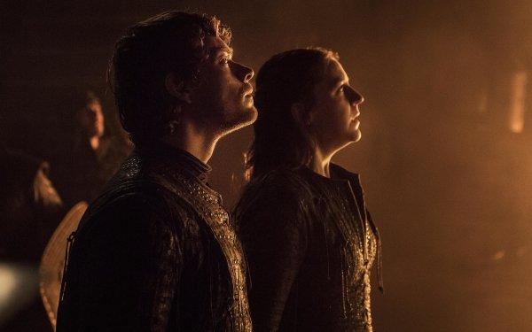 TV Show Game Of Thrones Theon Greyjoy Yara Greyjoy Alfie Allen Gemma Whelan HD Wallpaper | Background Image