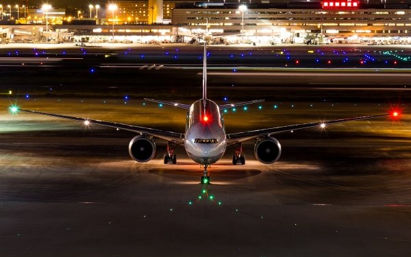 Vehicles Aircraft Night Airport Passenger Plane HD Wallpaper | Background Image