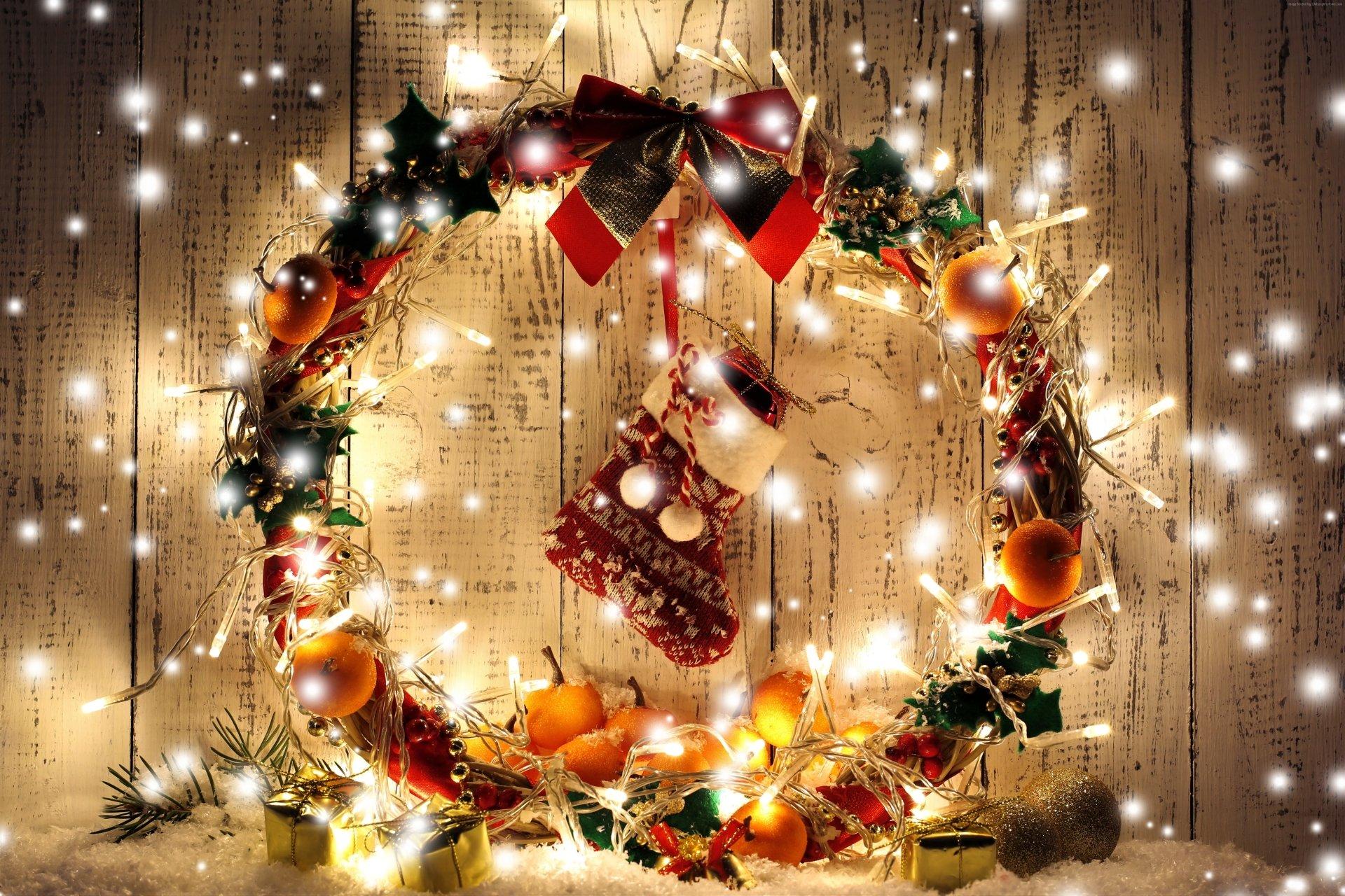 Holiday - Christmas  Holiday Wreath Light Apricot Stocking Wallpaper